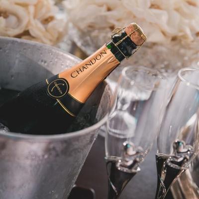 Champagnerflasche zum Mobilen Sektempfang in unserem Mietshop